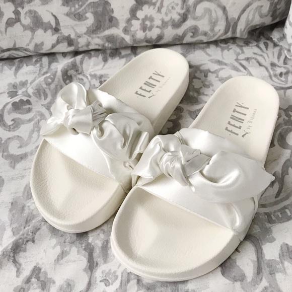 5fd98e3f9b67 ✨NWT✨ FENTY Puma White Bow Sliders Size 7.5 ☁️